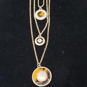NWOT Three strand tortoise necklace